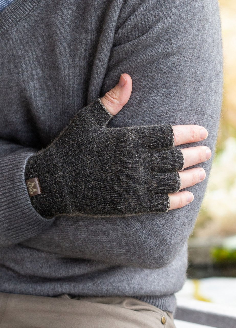 Polyprop / Possum Fingerless Glove